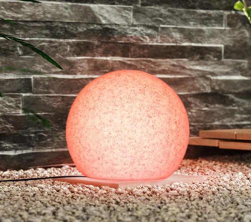 Designové barevné solární osvětlení zahrady