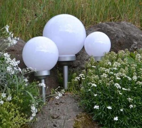 Solární LED osvětlení do zahradní skalky