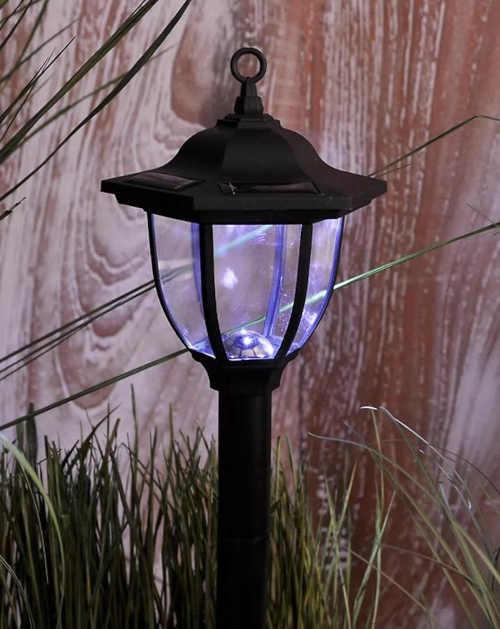 Zahradní solární osvětlení ve tvaru lucerny