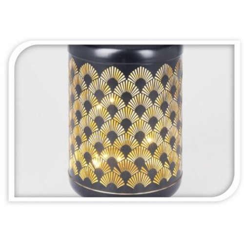 krásná LED lucerna z kovu